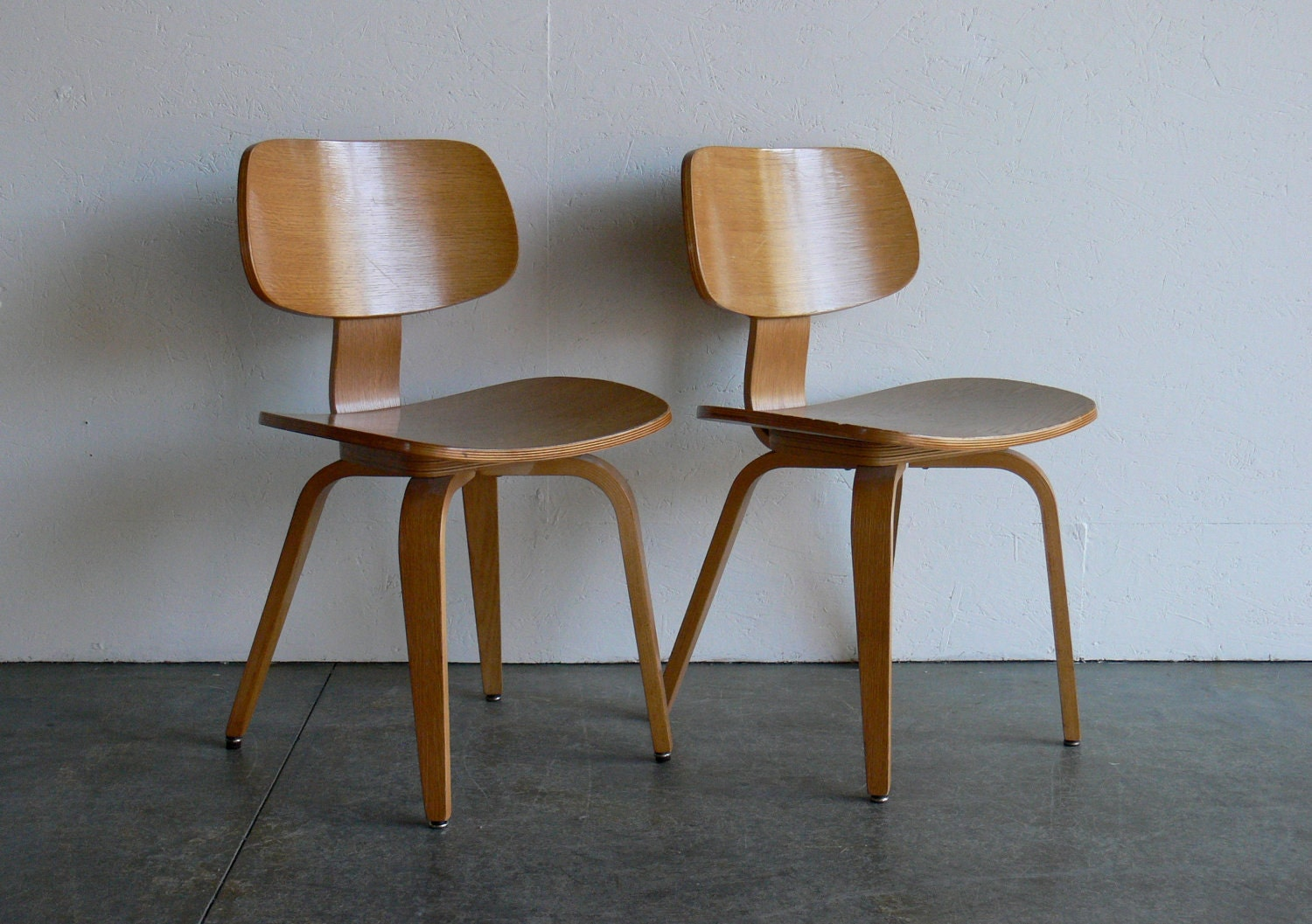 Reserved vintage mid century modern thonet plywood chair by comod