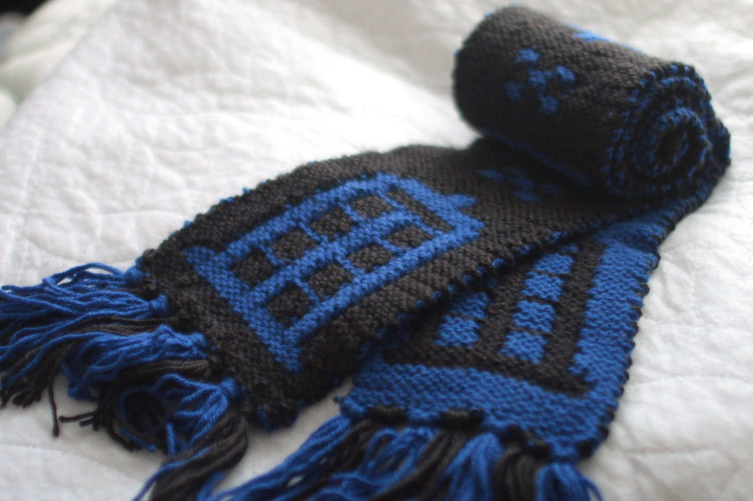 Doctor Who TARDIS scarf Hand Knit Black and Blue by alienantidote