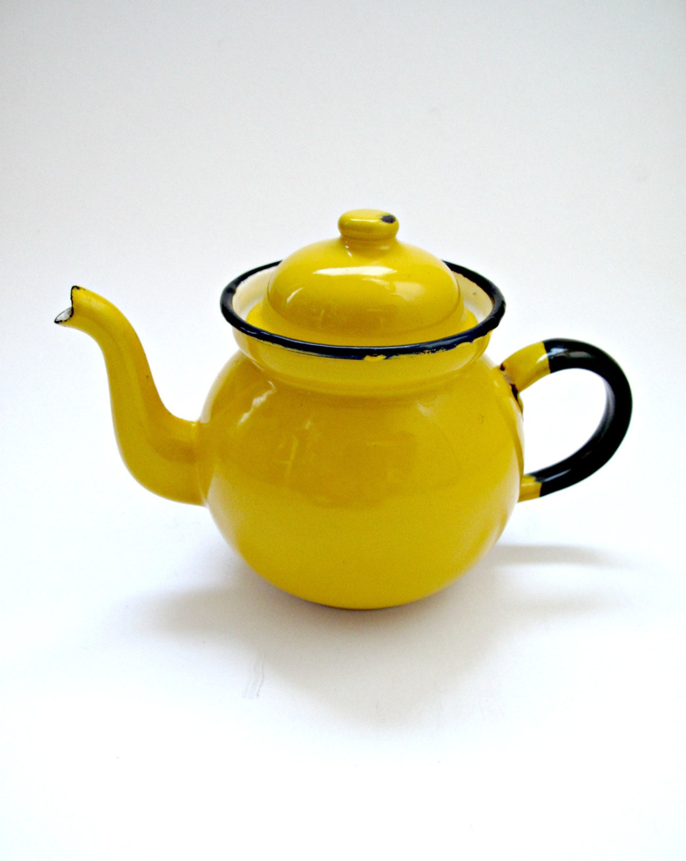 Vintage Enamel Yellow Teapot - GoodnightPrudence