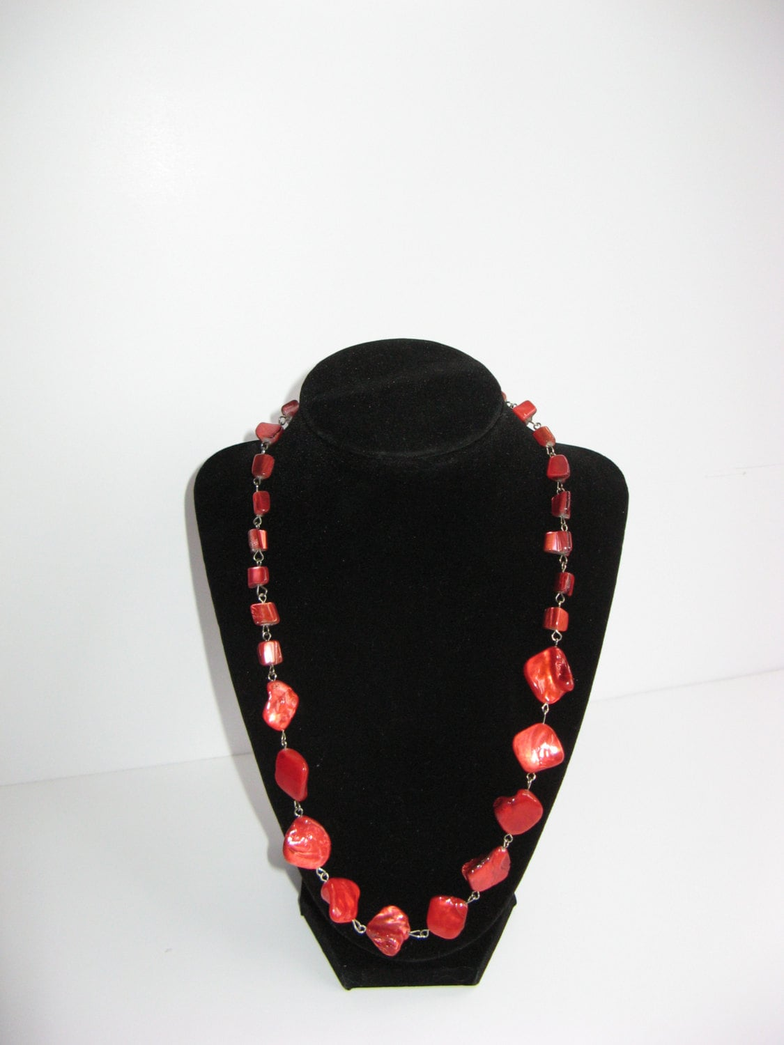 Red Stone Linked Necklace - DonkeyandTheUnicorn