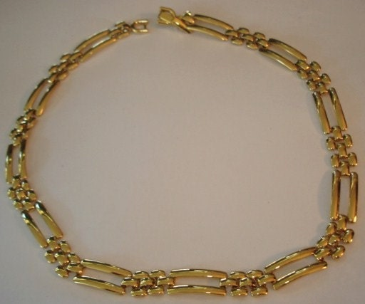 Monet Jewelry Necklace Gold