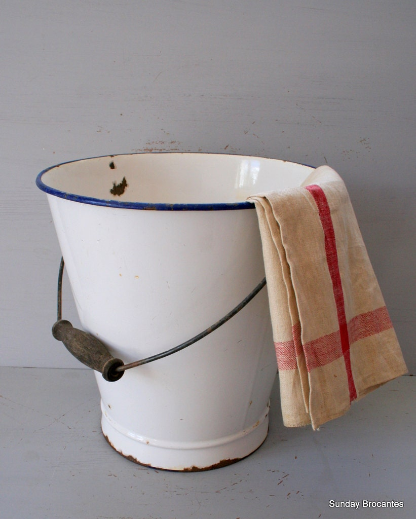 French Farm Bucket - SundayBrocantes