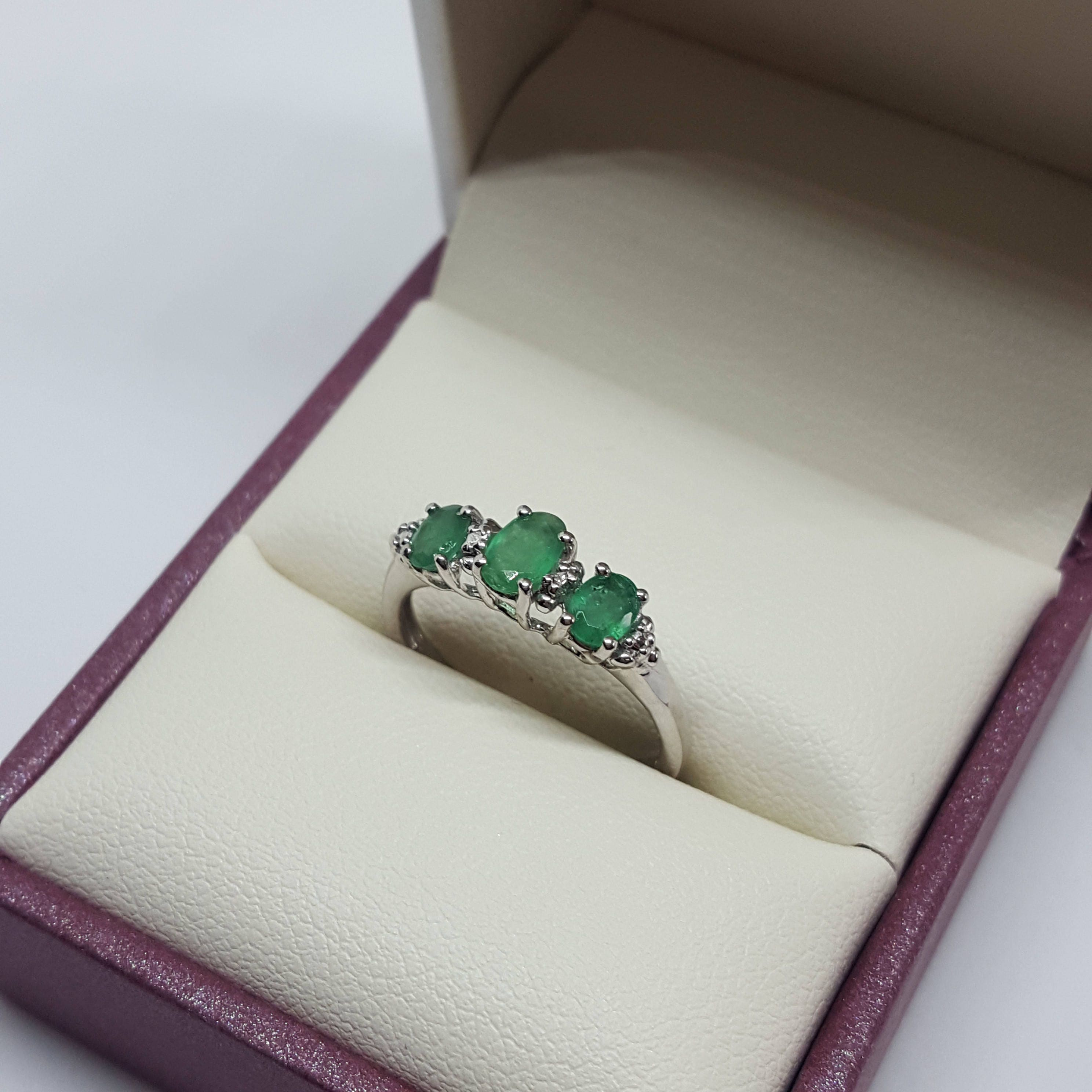 Emerald three stone silver ring  size 5  estate ring statement ring vintage ring engagement ring wedding ring promise ring stacking