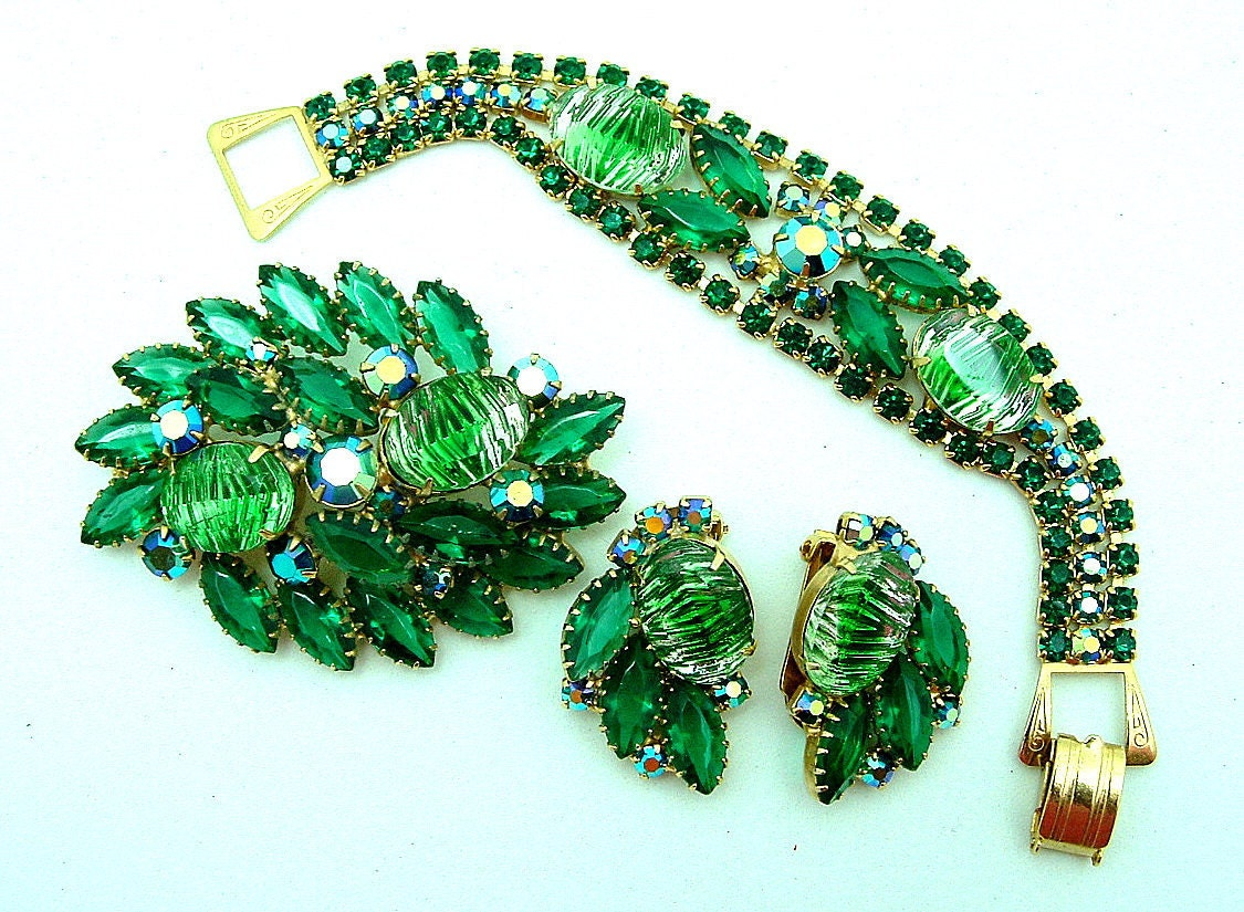 Vintage  Art Glass Parure Bracelet Brooch  Earrings Green Ribbed Cabochons And  AB Chatons - ALLUWANTISHERETODAY
