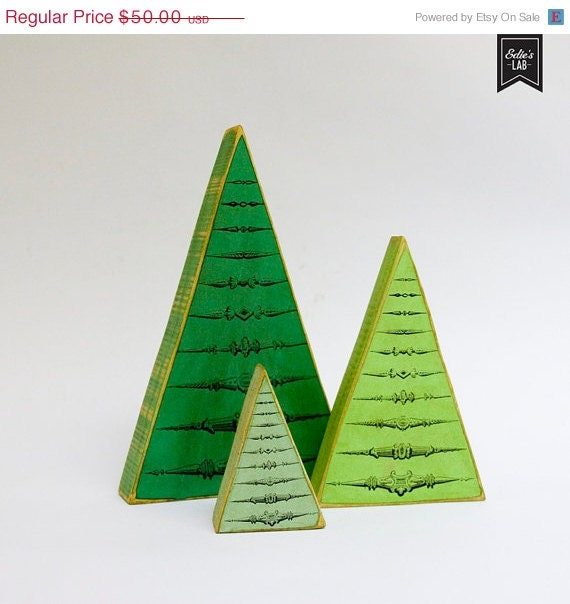 ON SALE Tonal Greens Vintage Inspired Wood Christmas Tree Set - EdiesLab