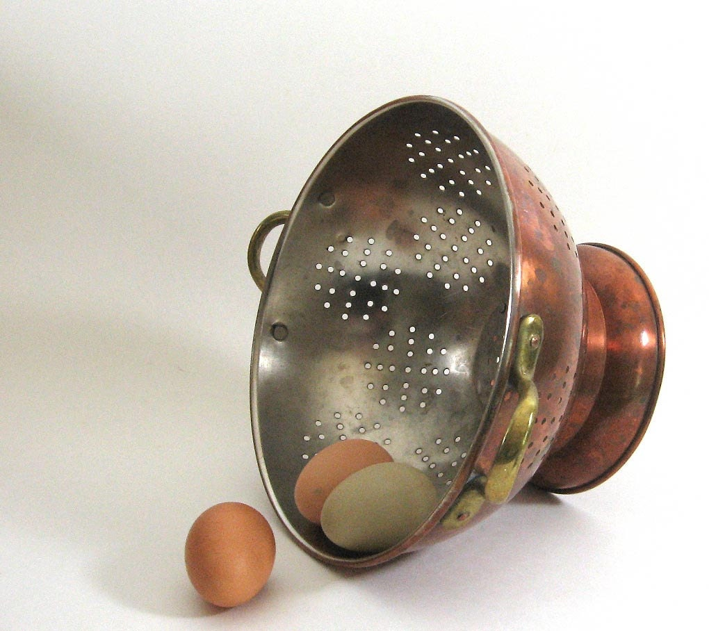 Heavy Copper Colander Footed Bowl Antique Strainer - TheVintaquarian