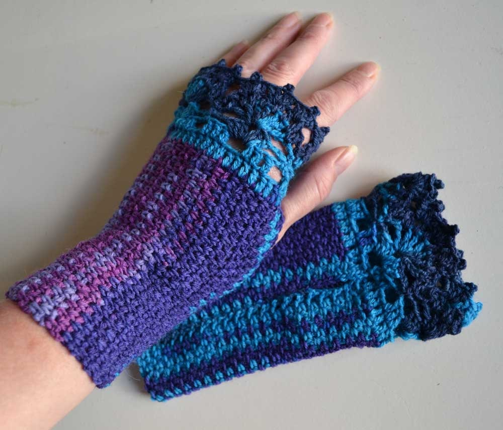 Purple blue crochet gloves with lace trim