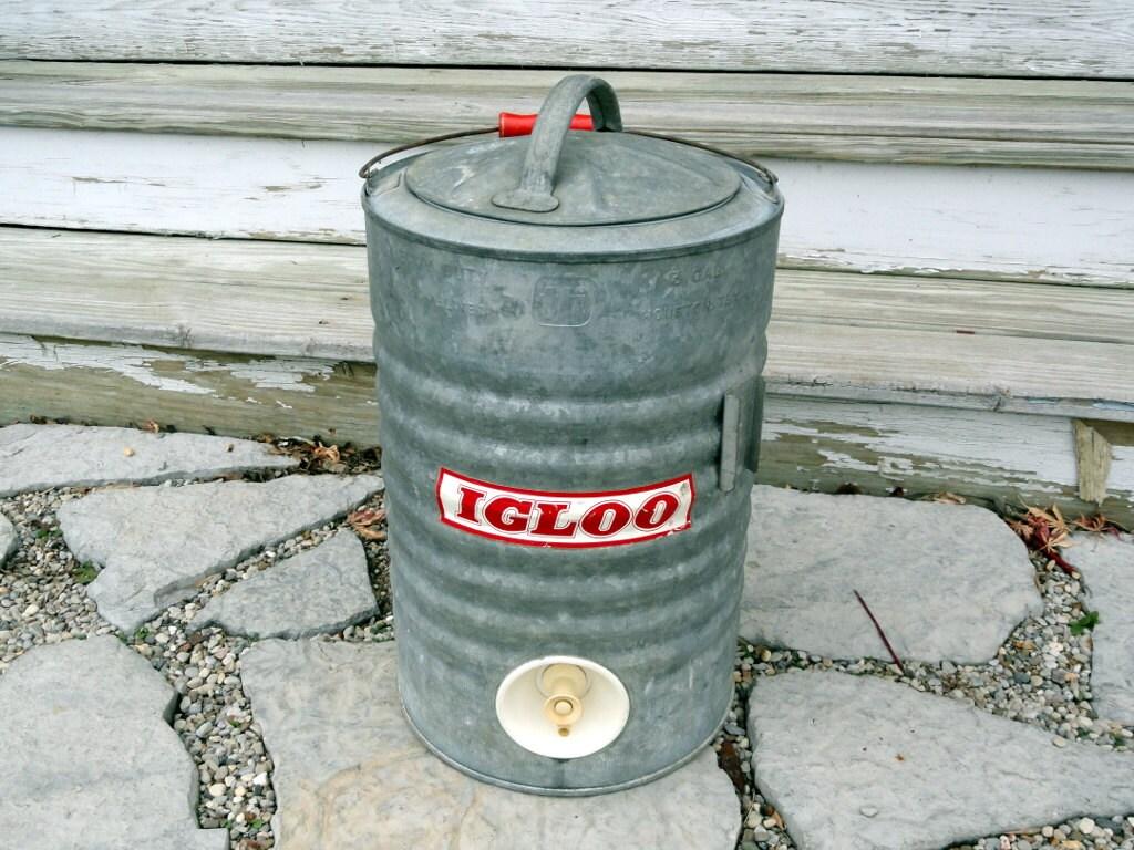Antique igloo 3 gallon water cooler by bluepawrelicsnresto - Igloo vintage ...