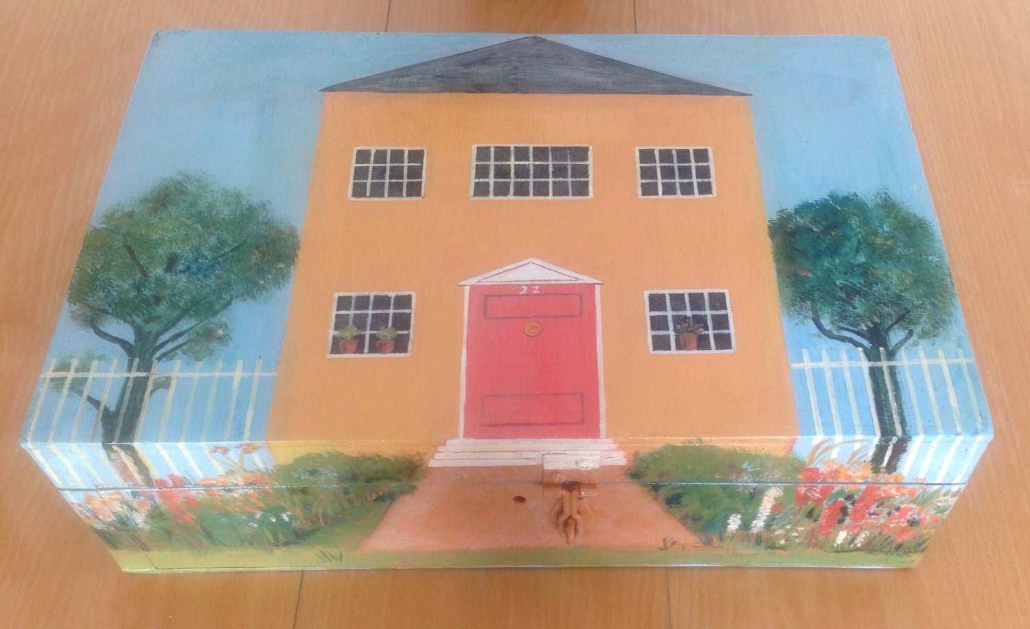 Dolls House (In a Box!)