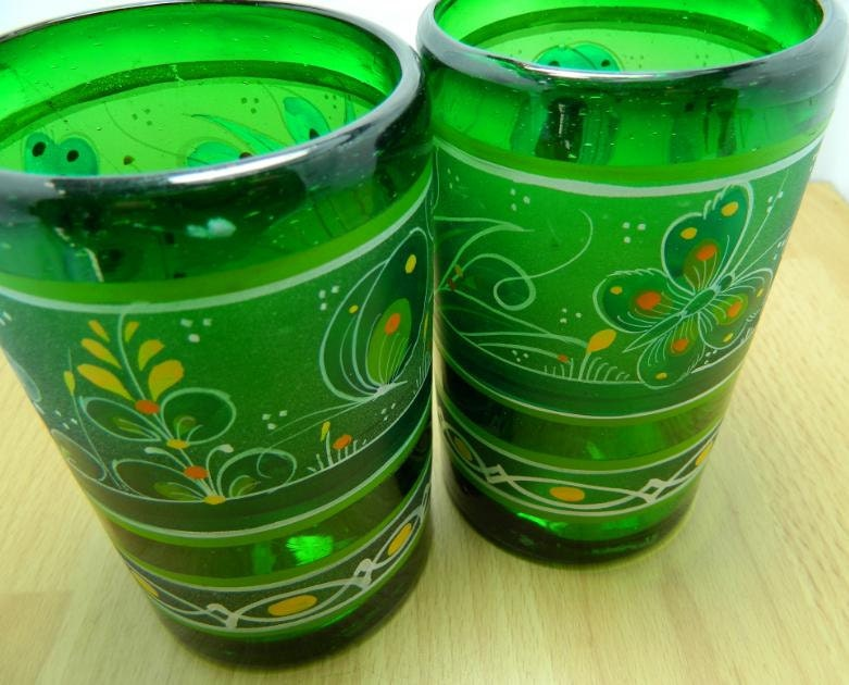 Vintage mexican drinking glasses hand painted by orwadesigns for Hand painted drinking glasses