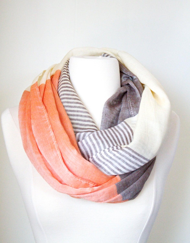 Infinity scarf fashion trend H M - Choose Your Region