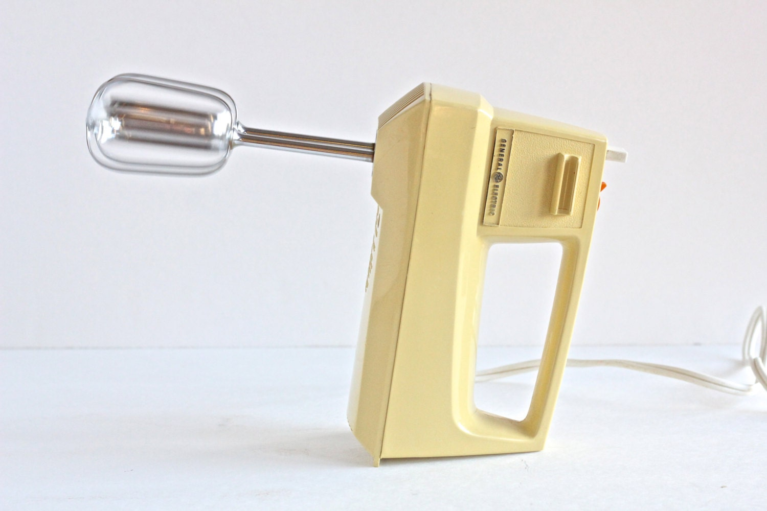Vintage general electric hand mixer by thewrinklyelephant for Antique general electric mixer
