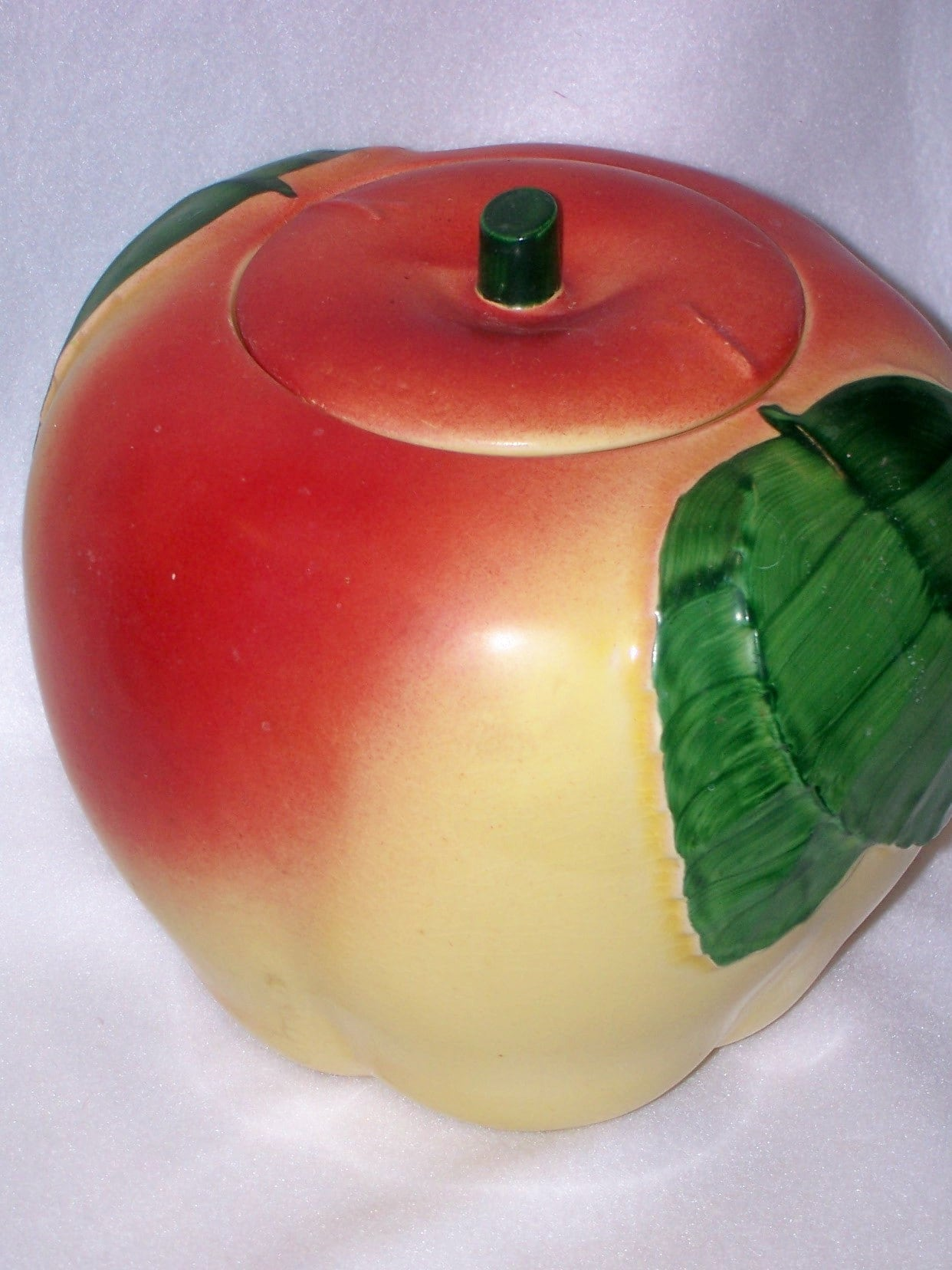 Vintage 1950s hull apple cookie jar container by yoyocottage