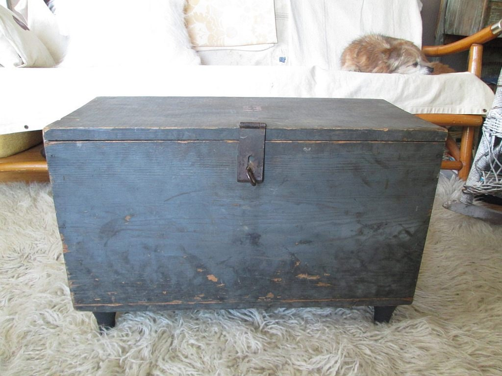 Blue Rustic Industrial old wood Chest Coffee Table Box Trunk Vintage midcentury faded stencil 9 - funkomavintage