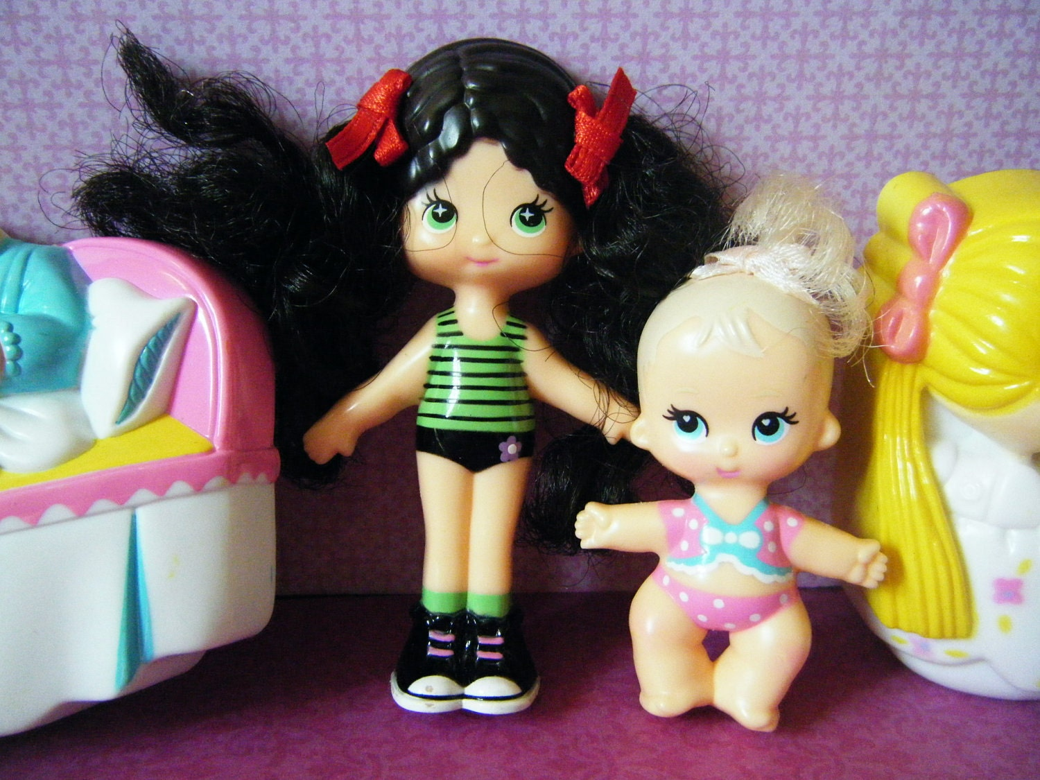 Two snap and style dolls, two dogs, and lots of clothes and accessories in good, gently used condition. Smoke free home. FISHER PRICE SNAP And Style Doll Lot - $