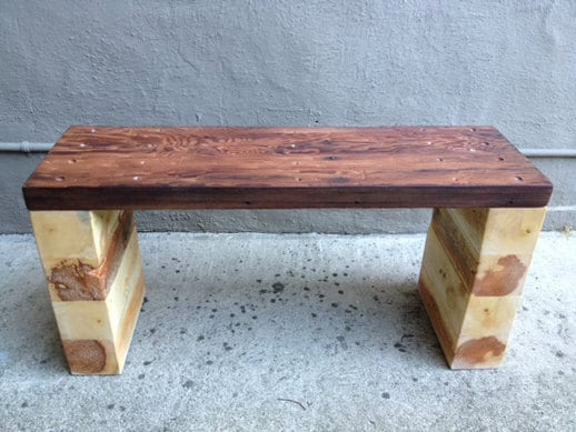 Pallet reciclado y banco Redwood / Tabla