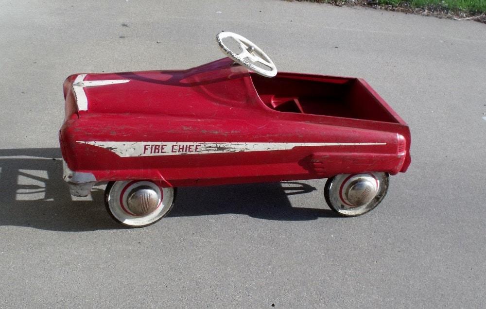 Garton Fire Chief pedal car - 1950s - Original parts - wonderdiva