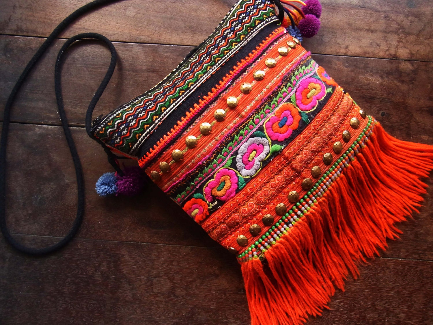 Bohemian fringe purse woman // hippie // tribal // colorful // ethnic // embroidery // cross body // flower // scarlet red // pouch - realmlistic