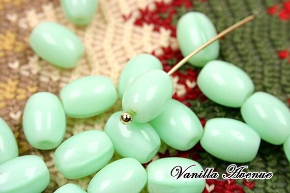 50PCS, Czech beads, Cylinder shape beads, Green mint, 8x6mm - VanillaAvenue