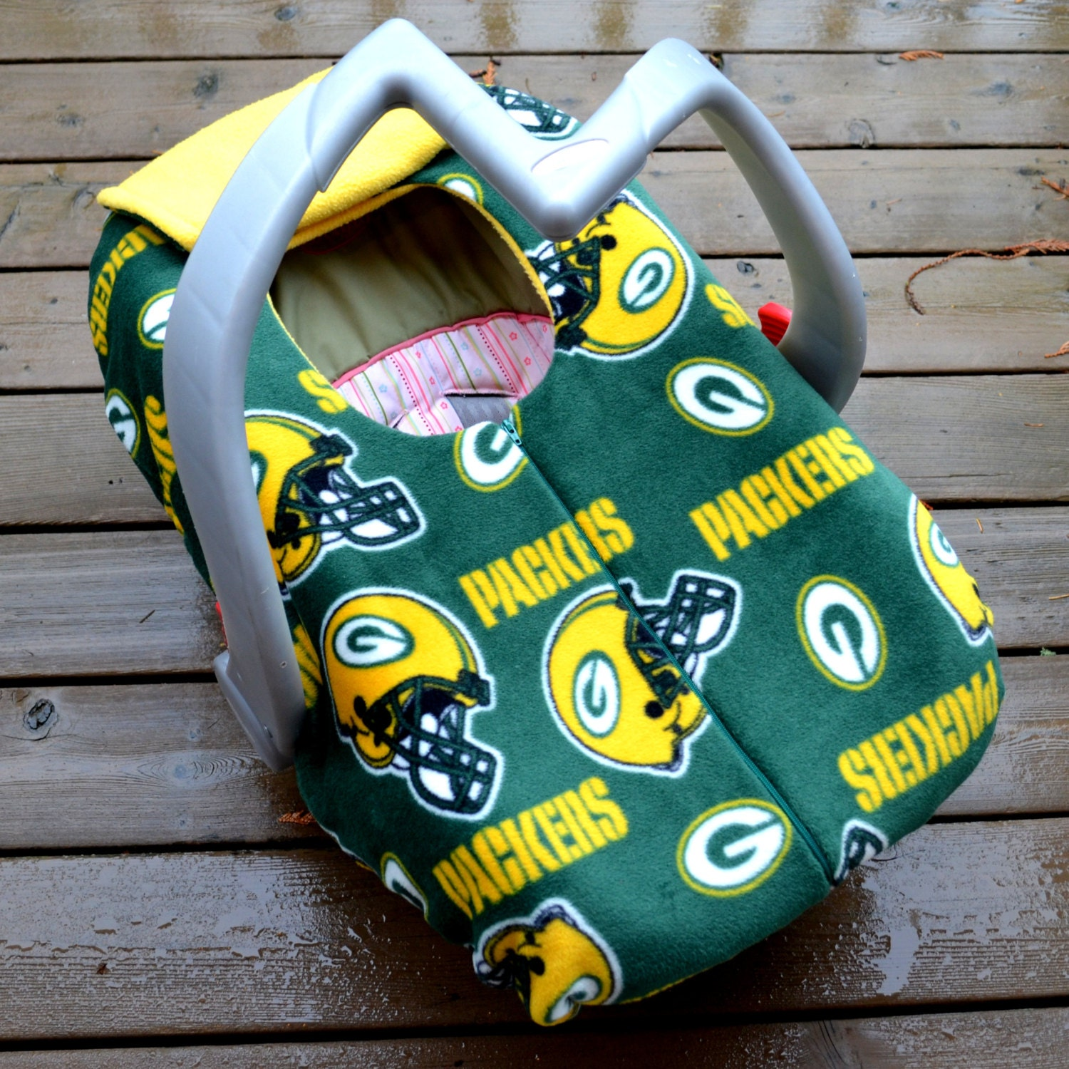green bay packers baby car seat cover by by sophiemarie on etsy. Black Bedroom Furniture Sets. Home Design Ideas