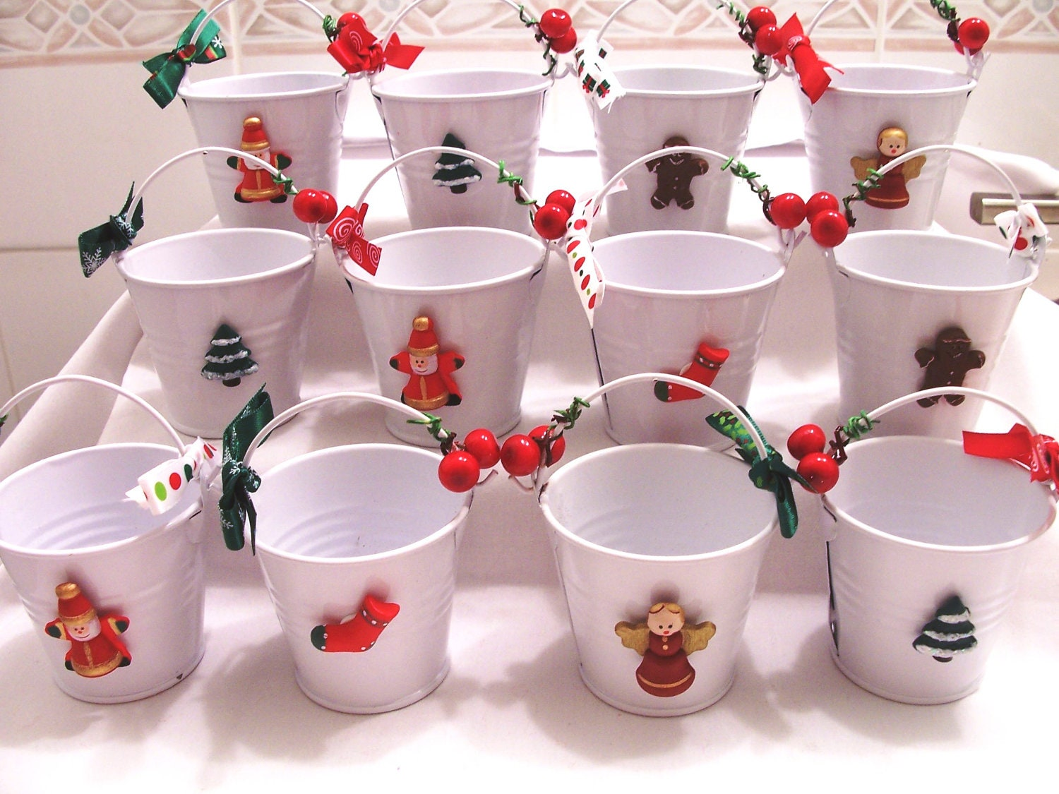 12 christmas metal keepsake buckets by sparkleandcomfort for Christmas tin pails