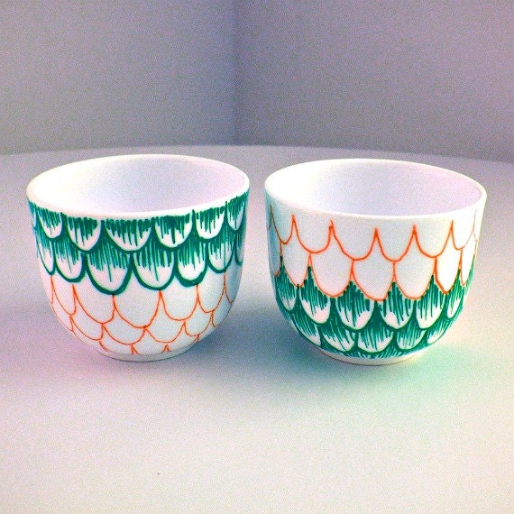Ceramic Cups Sake Japanese Tea Hand Painted Scallops Teal Emerald Green Orange Modern Nautical Espresso cups - sewZinski