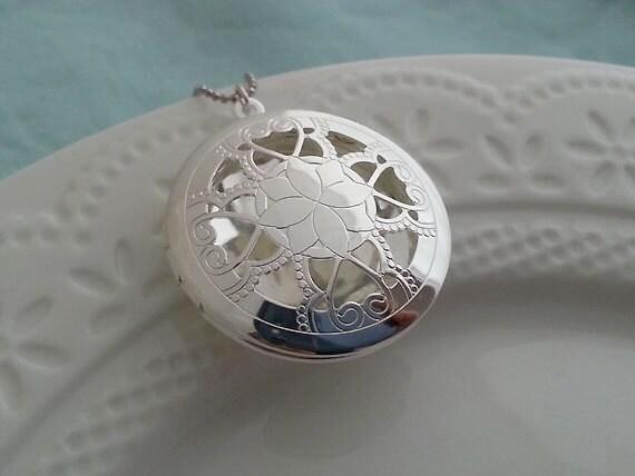 Silver Locket, Scent Locket, Photo Locket, Filigree Round Locket, Love, Silver Bridesmaid Necklace, Wedding Necklace