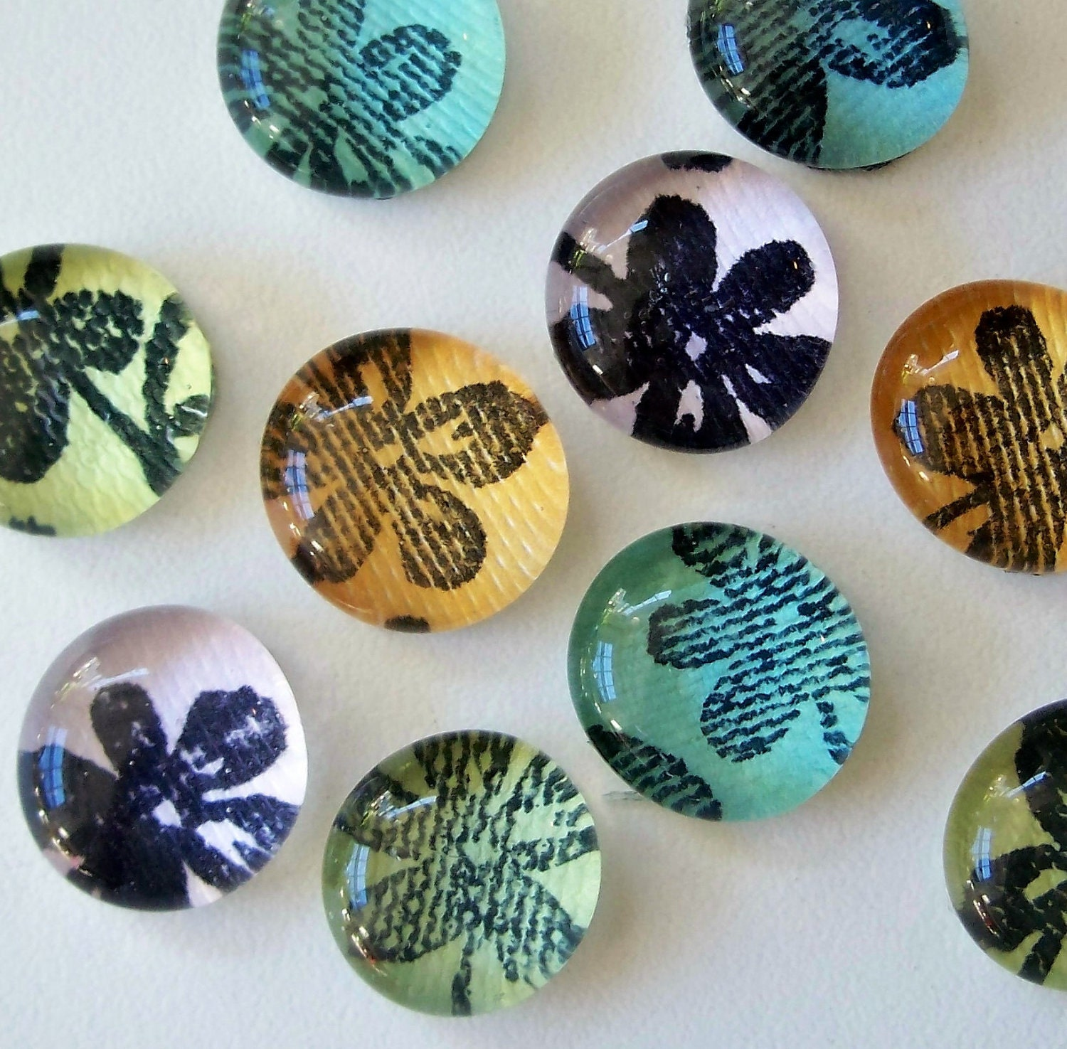 Flowers Make Me Happy - Set of 8 Glass Magnets - ArtsInRI