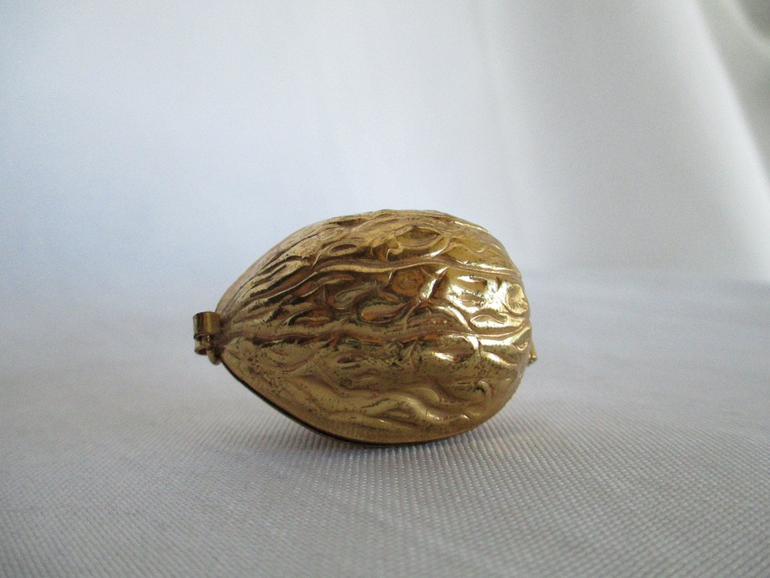 Vintage Pendant Mini Sewing Kit Gold Brass Walnut Earnest Steiner Original - BleuBelleMaison