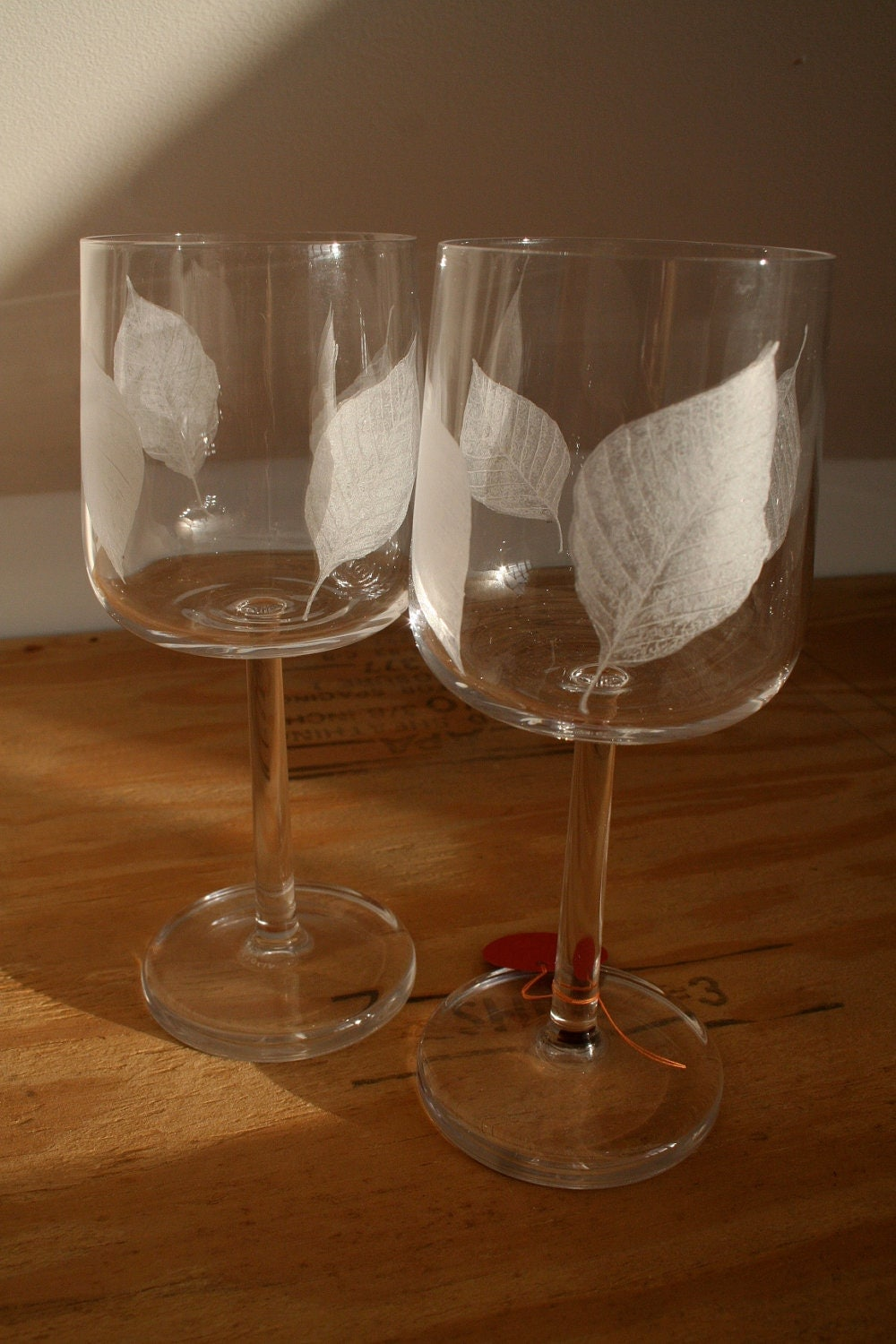 Hand Engraved Frost Leaf Wine Glasses - VictoriaLucyFineArt
