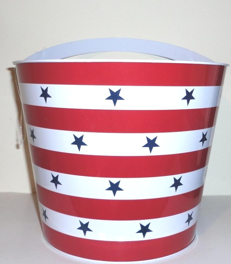 Th of july beach bucket red white blue by ilpiccologiardino
