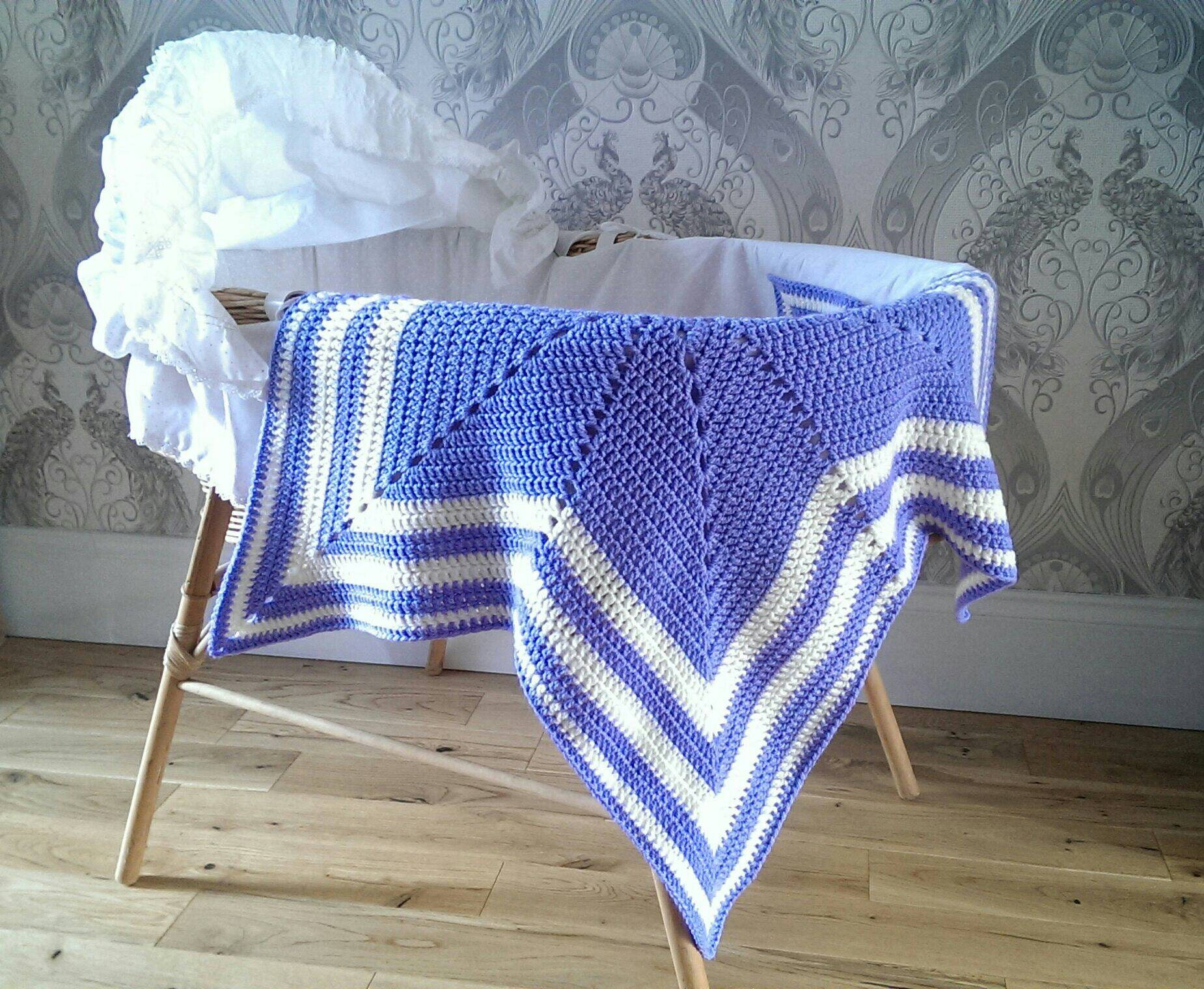 star blanket  crochet star blanket  baby blanket  baby shower  baby gifts  baby girl  cream blanket  vegan