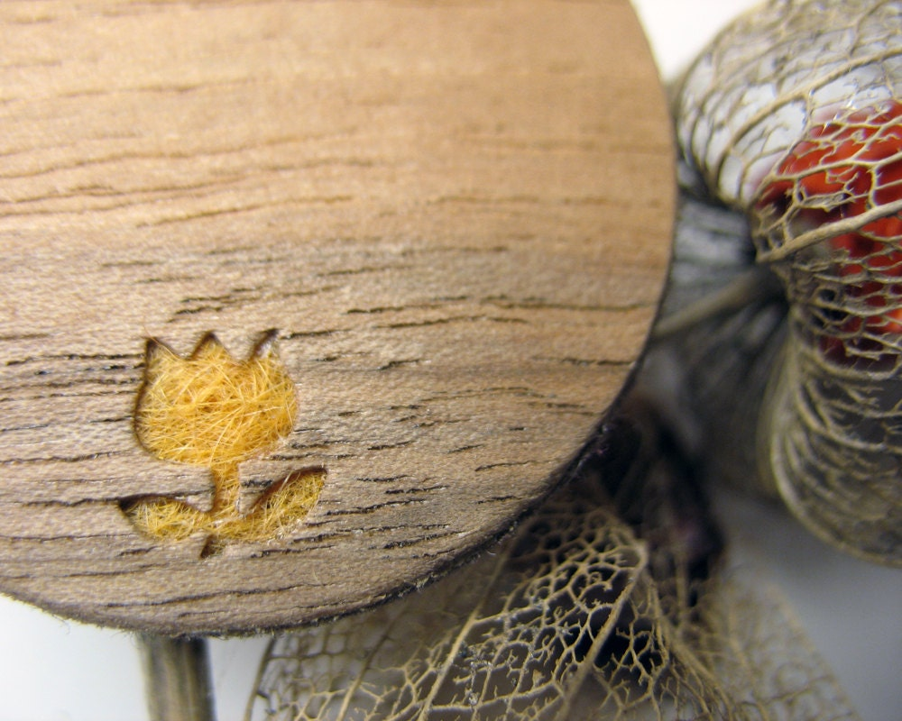 Orange tulip - cut out wood brooch with felt inlay - Arabela