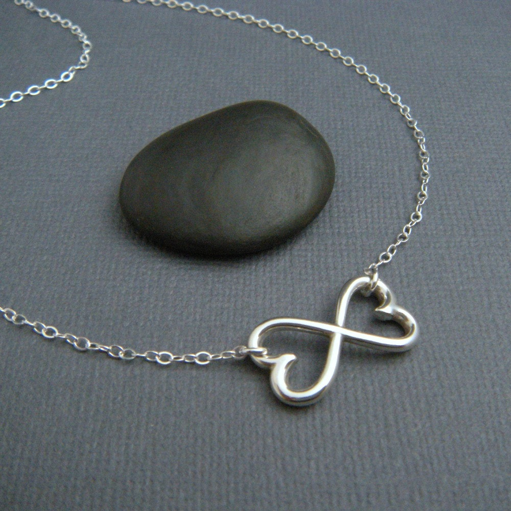 heart infinity necklace large silver heart by limegreenmodern. Black Bedroom Furniture Sets. Home Design Ideas