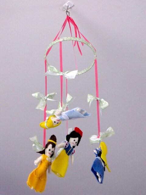 Disney princess nursery baby mobile by prettylovelygifts for Princess crib mobile