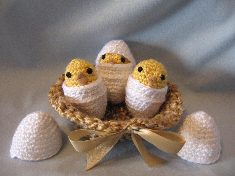 Amigurumi Baby Chicks : Items similar to Crochet Amigurumi Hatching Baby Chicks In ...