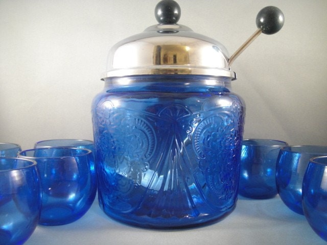 Vintage and Antique Glass Pottery and by WishingWellsGlass