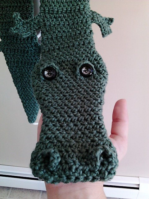 Alligator Scarf PDF Pattern by PeachyPerfections on Etsy