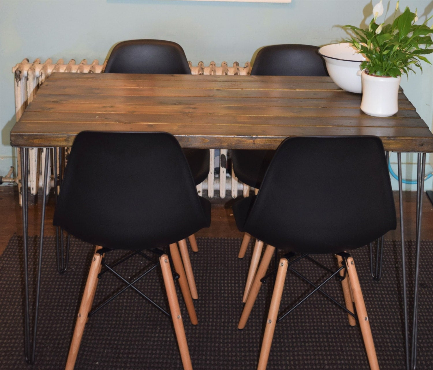 Industrial Kitchen Table and x 4 Black chairs Mid Century Style hairpin