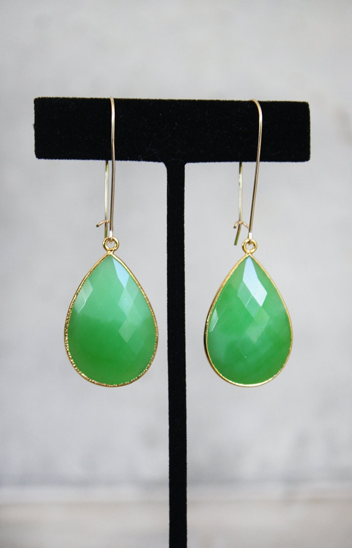 Green Chrysoprase Long Drop Earrings - shopkei