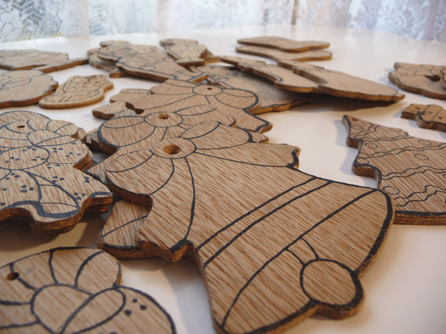 Wooden Paintable Christmas Ornaments