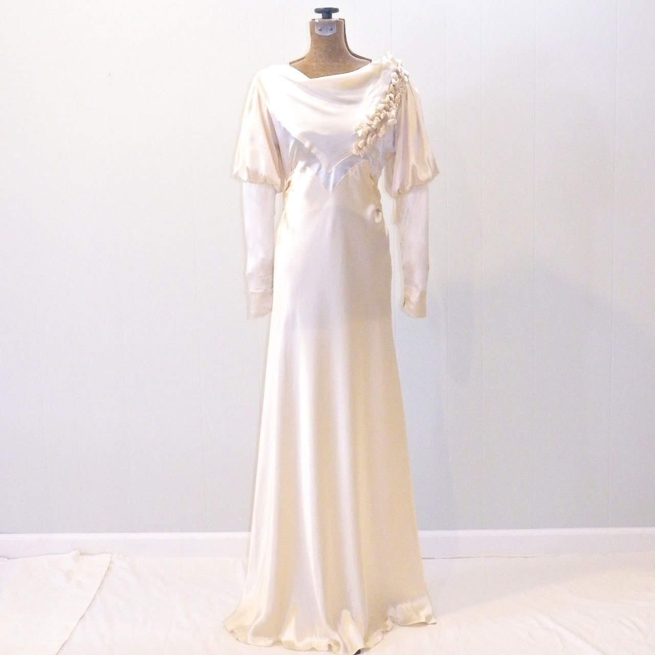 Vintage 1930s wedding dress silk satin wedding by for Satin silk wedding dresses
