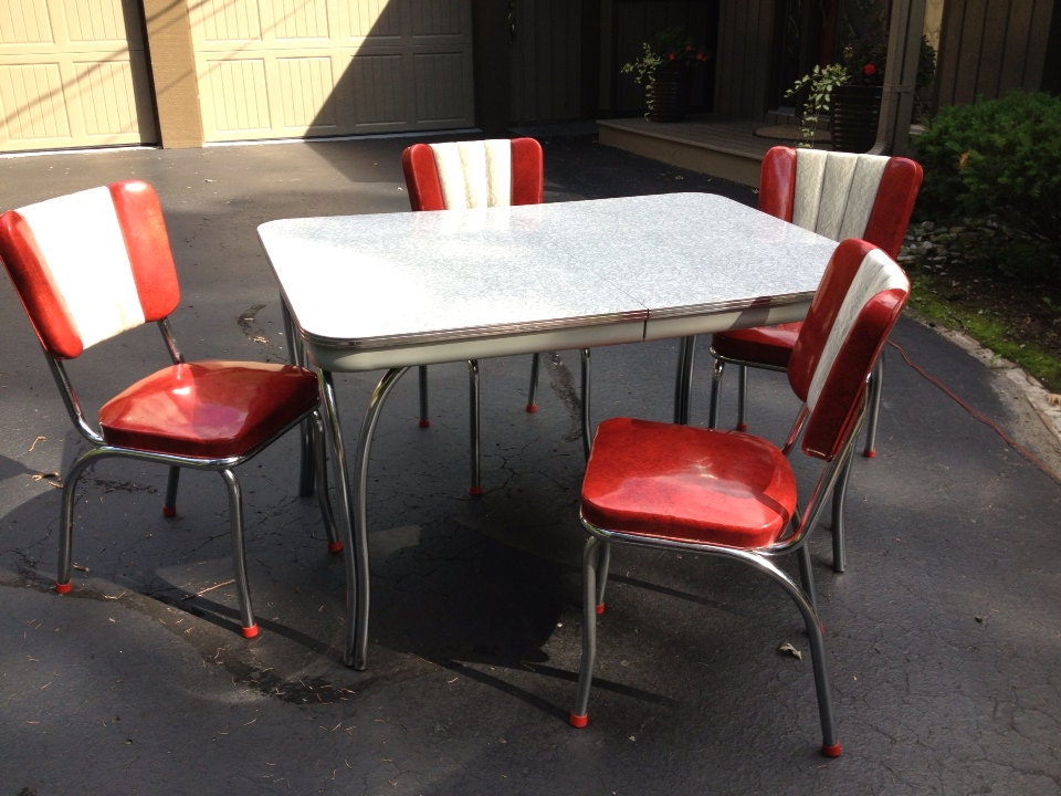 Kitchen Dinette Set from the 1950's - OakForestAntiques
