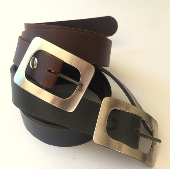 Beautifully handcrafted leather belt, available in black and brown (unisex). - kerenhandmade