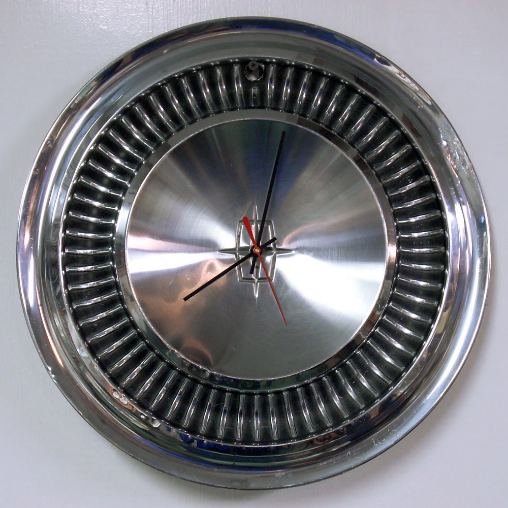 lincoln hubcap clock 1964 1965 continental wall by starlingink. Black Bedroom Furniture Sets. Home Design Ideas