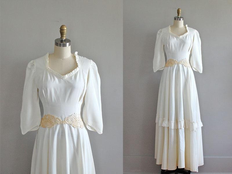 40s wedding dress wedding gown 1940s Sposa Pallido From DearGolden