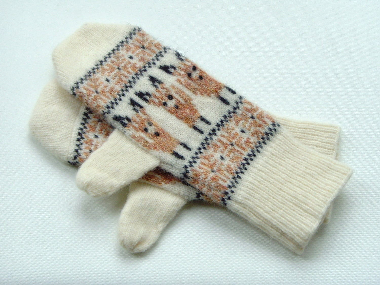 Mittens Fox Mittens in Lambswool Wool Animal Motif Mittens Knitted Mittens Brown Mittens Cream Mittens Fox Gloves Animal Gloves Fairisle