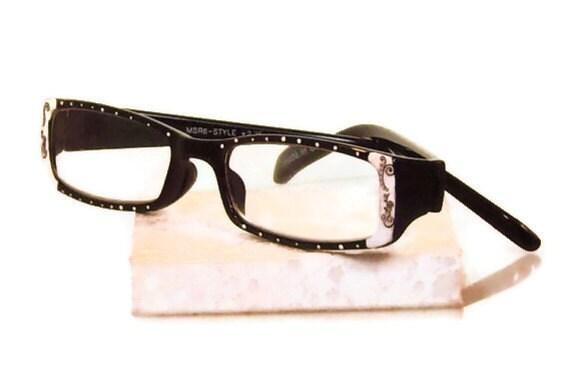 reading glasses handpainted in white black eyeglass by
