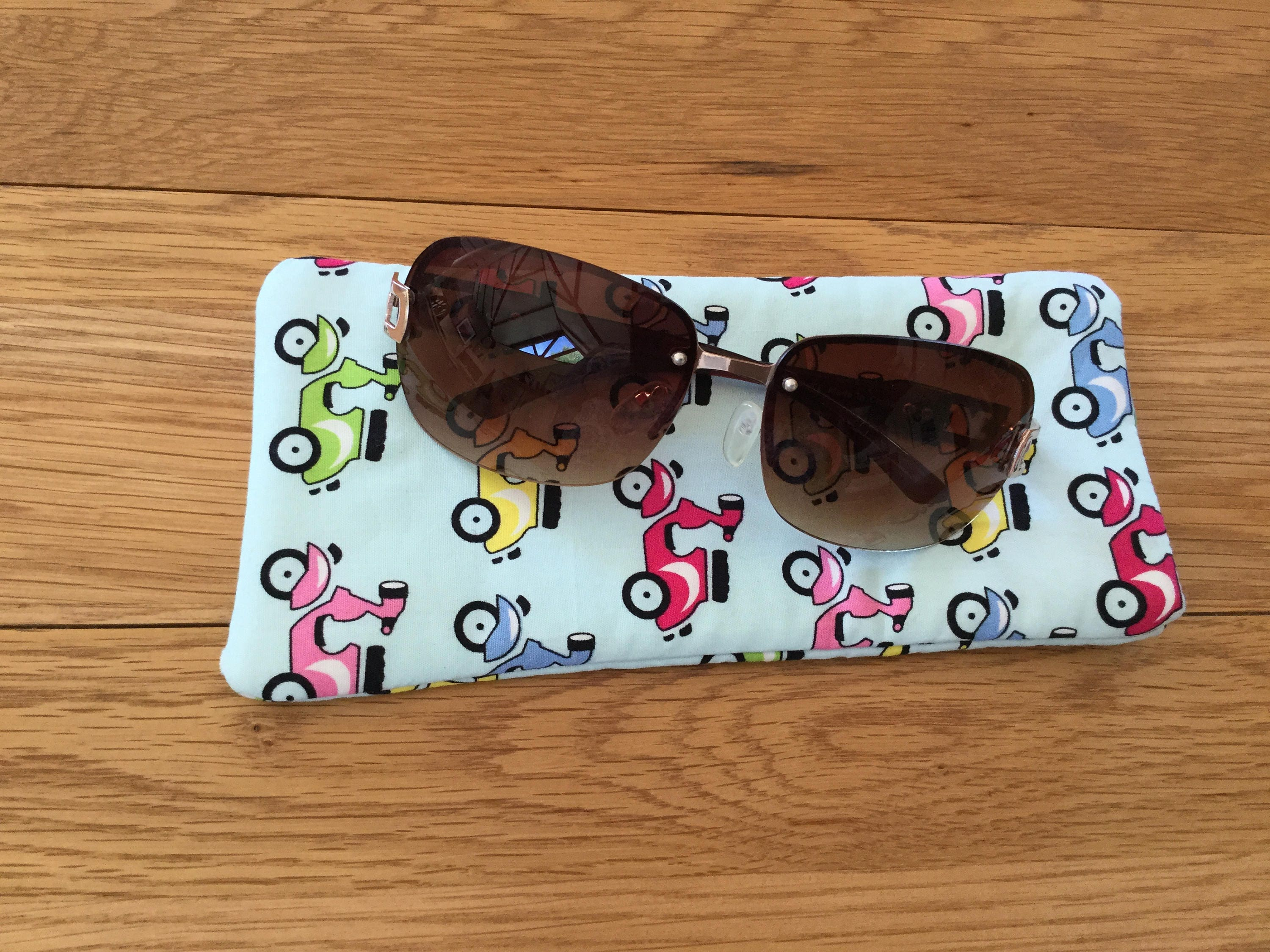 Sunglass sleeve in fun Scooters fabric glasses sleeve glasses case