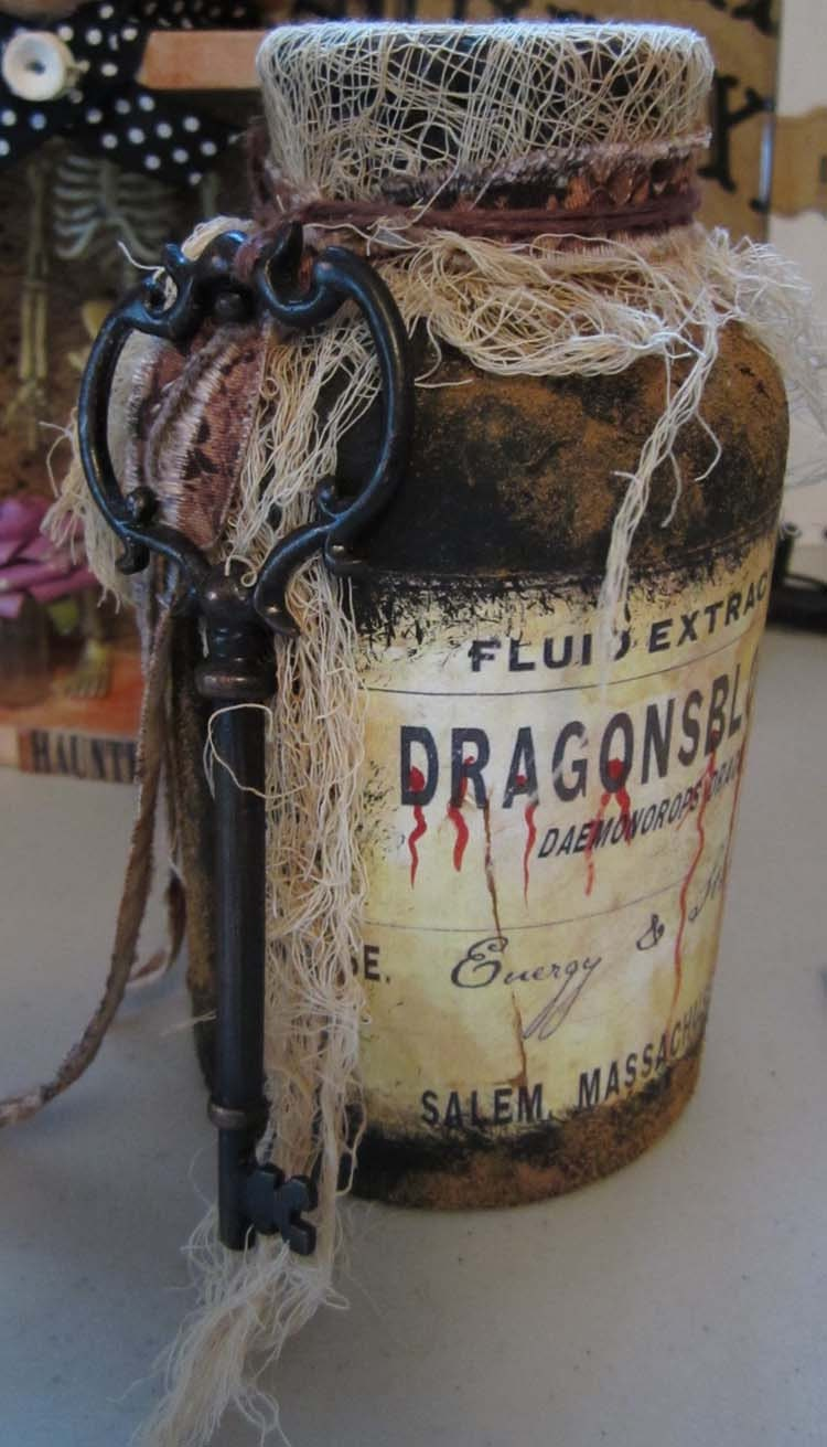 aLtErEd ArT DrAgOnsblOOd PoTiOn JaR WiTcHs Tool for SpElls HaLLowEEn DeCoR OOAK - SauvageRavenCreation